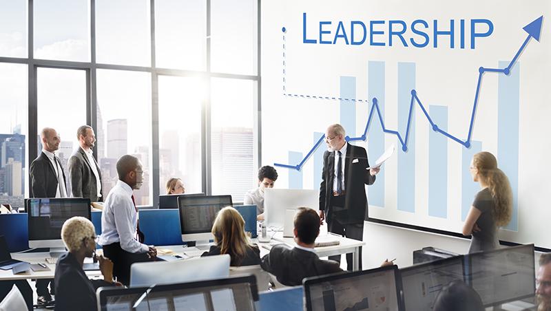 老闆把事情丟給你、卻沒授權,進度總是卡卡?靠這三招,你也可以做到「無權」領導