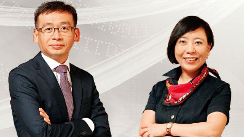 台灣大車隊總經理李瓊淑(右)、政大商學院副院長、政大EMBA執行長邱奕嘉(左)