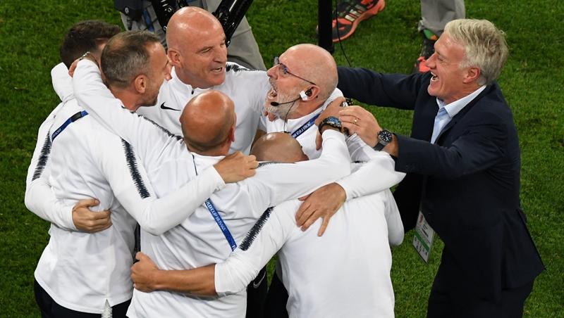 很少得分、不是巨星,卻是1998世足冠軍隊長!法國隊總教練,當年如何帶領怪物級國家隊?