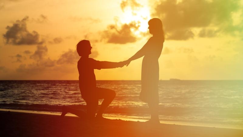 先生想買新上市的電玩、太太想存錢買房...婚姻夠難了,為何還要找一個價值觀差很大的伴侶?