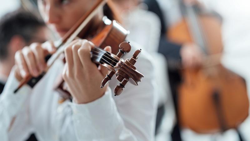 花了好多時間練習,但就是做不好?世界級小提琴手的鍛鍊之道:睡更多、練習時間短