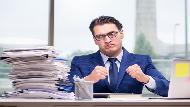 工作起來就廢寢忘食、停不下來...一個研究告訴你:「工作狂」,跟好績效無關!