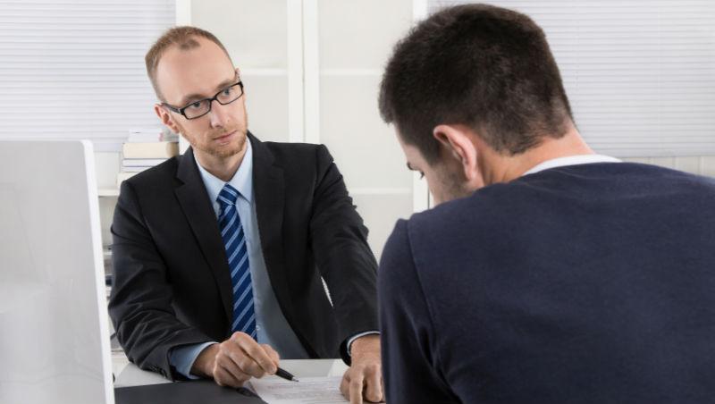 薪資平均凍漲3.47年...敢跟老闆要求加薪嗎?人力銀行調查:上班族會先忍耐x年才開口