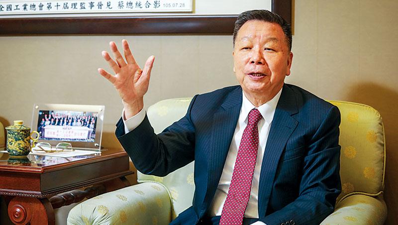 詹正田看好台灣前景,但在中美貿易戰的衝擊下,他認為台商因應變局最好的策略就是:把毛利拉高。