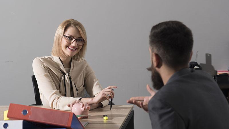 交辦工作前,要先把員工捧上天!主管必學3招管理心法:讓每次任務,下屬都接的心甘情願