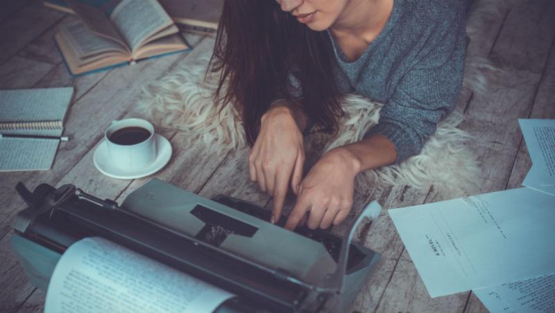 從「讀者投書」到「作家洪雪珍」,我的寫作經歷心得:總有一天,你的努力會被「用力」回報