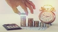 剛領完錢皮夾怎麼又空了?美國經濟學教授:買東西前和「這個人」說說話,讓你收起手中鈔票