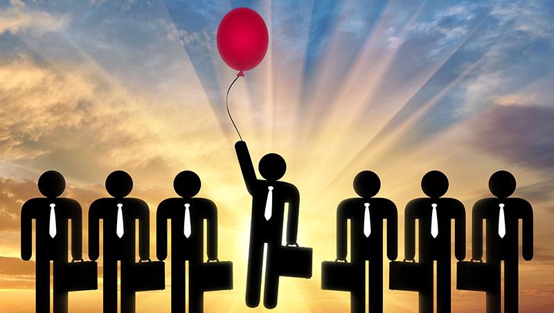 想獲得上司重用?積極進取才是王道!想得到升遷或加薪機會,你必須先「收起你的過分謙虛」