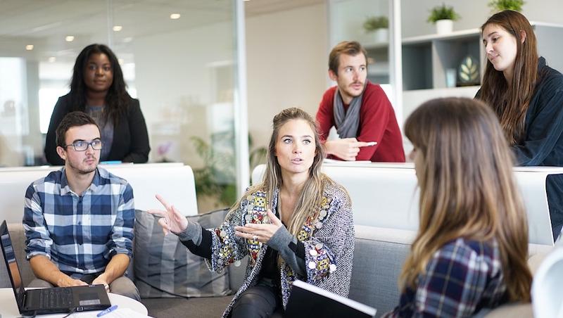 實習生抱怨公司設計好醜、定位不明...一位行銷經理的勸告:點出問題誰都會,難的是「然後呢?」