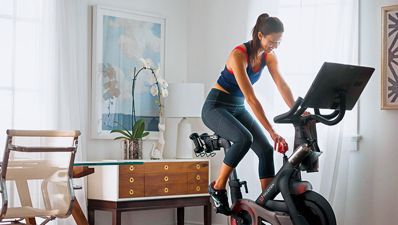 Peloton掀起遠距健身狂熱,連五星級飯店都配備它的飛輪以吸引運動愛好者。