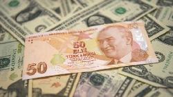 該買機票去土耳其搶購名牌包嗎?里拉暴跌後,給投資人跟消費者的影響整理