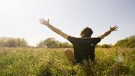 一離開職場,生活頓失重心?一個前外商老總的退休體悟:人生下半場該學習,如何「懶散」