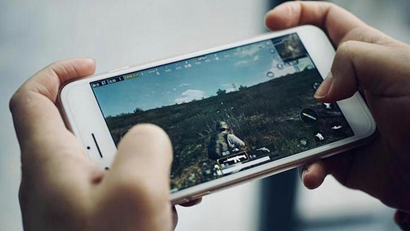 《王者榮耀》紅透半邊天,為何騰訊股價還是一直跌?從3個關鍵數據,看中國遊戲產業飽和後的困境