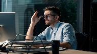 「分心」才是最有效率的工作法?過度專注、一次把事情做完,反降低生產力...