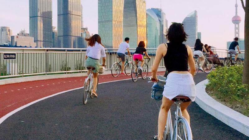 旅店化作健身管家,為住客精選健身方案,像是騎單車遊上海,感受在地風情。