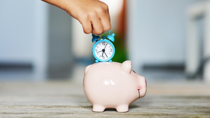 年輕時照顧老人,老了就有人照顧你!遍佈23個國家的「時間銀行」,可能成為台灣長照的新解答嗎?