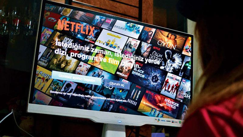 Netflix推出訂閱影音串流服務,藉由大數據分析使用者行為,訂戶數高達1.3億。