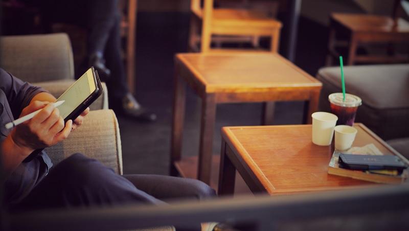 咖啡香、氣氛好的星巴克,反而讓你寫出爛企劃!管理顧問教你創業潛規則:這6件事絕對不要做