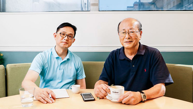 台灣銘物執行長林聖豪(左)與莫凡彼集團董座方子雄(右),年齡差近兩輪,卻保持亦師亦友關係,9月中還在東區百貨定期約會。