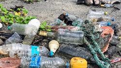 海邊的垃圾多是遊客隨手亂丟來的?一次澎湖淨灘的驚人發現:原來瓶瓶罐罐7成來自「這裡」