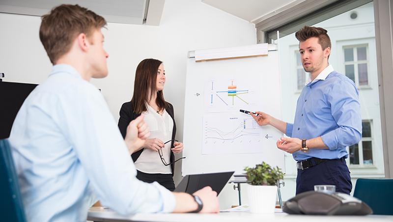 100%照客戶要求修改企劃,卻落解約下場!一個職場血淋淋的教訓:要做客戶的「腦」,而不是客戶的手腳