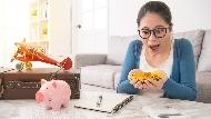 想擺脫每天為錢奔波的苦命生活?先把「省錢」放到一邊,你該學習的是這兩個字