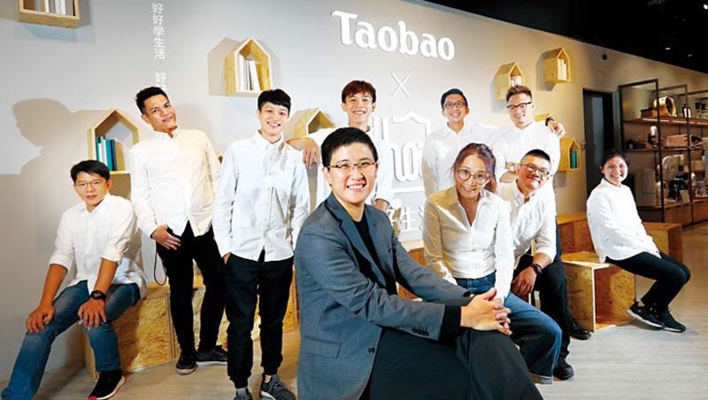 何采容、吳嘉玲催生品牌Hoi,瞄準30歲左右年輕人,與顧客平均42歲的特力屋拉開距離。