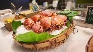 秋天吃蟹》燒烤帝王蟹、5層蒸海鮮...從火鍋到吃到飽都有,網友聲量調查:10間必吃餐廳