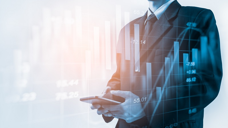 每天盯股市、看財經新聞,最後投資都虧錢…前銀行副總裁給投資人的勸告:「什麼都不做」賺最多