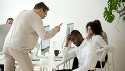 業務專員升到副總,卻變上司眼中釘...戳破職場現實:相信「老二哲學」會害你死更慘