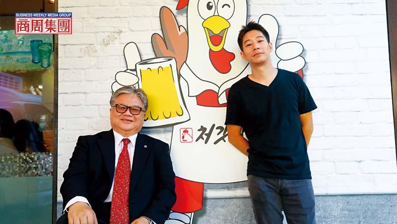 好味食飲公司聯合創辦人洪紹凱(右)、福壽實業董事長洪堯昆(左)。
