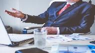別再靠email佈達消息了...維珍集團創辦人:創業不該忘5種態度,「領導者和老闆」差別在這裡