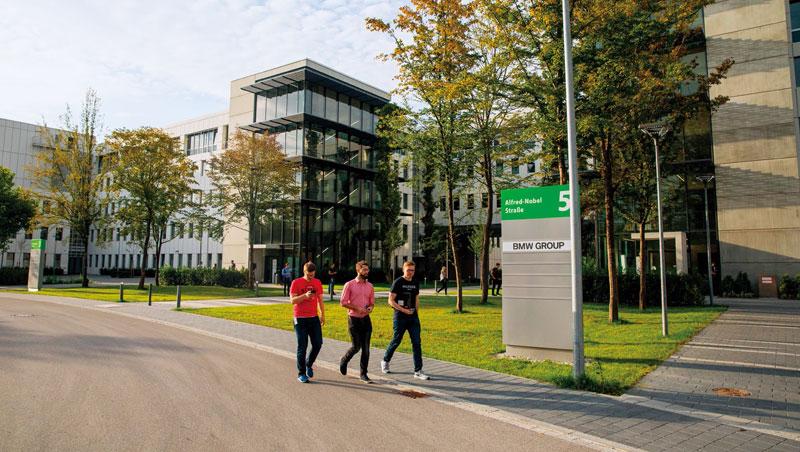 德國矽谷老車廠首座大型自駕中心
