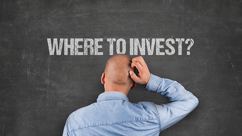 聽到利多就下單,股價開跌卻死不停損...諾貝爾經濟學獎得主告訴你,投資時如何克服大腦的不理性