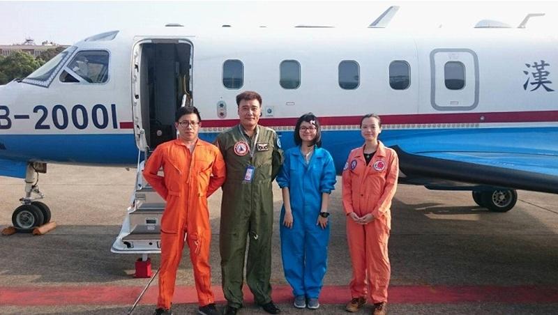 亞洲唯一》亂流、冰雹、雷擊...這群台灣科學家連續16年搭飛機「追颱風」,減少預報誤差