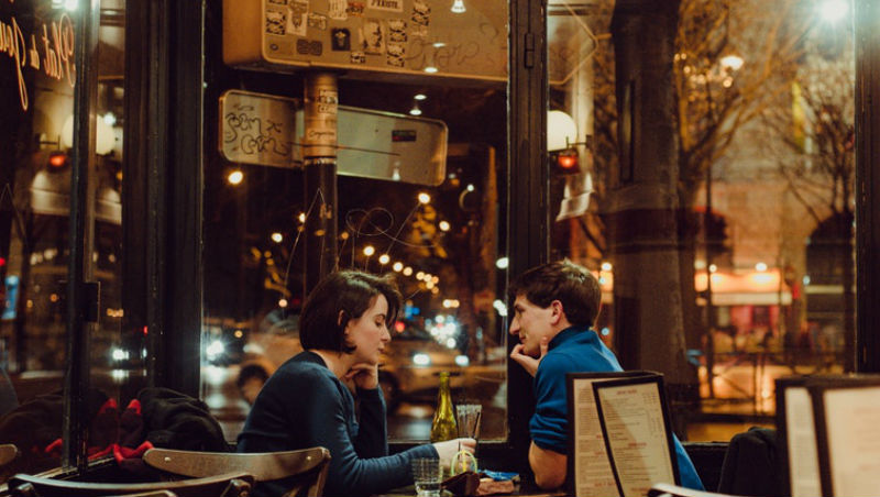 「深藏不露」是謙虛的美德,在外商卻被認為是「不夠誠實」...42歲台灣女在巴黎的職場生存術