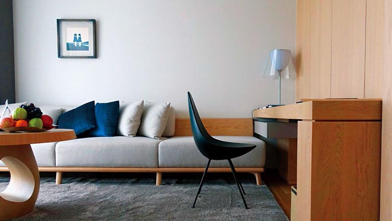 旅店的家具選擇與配色都相當得宜舒適,令人放鬆。