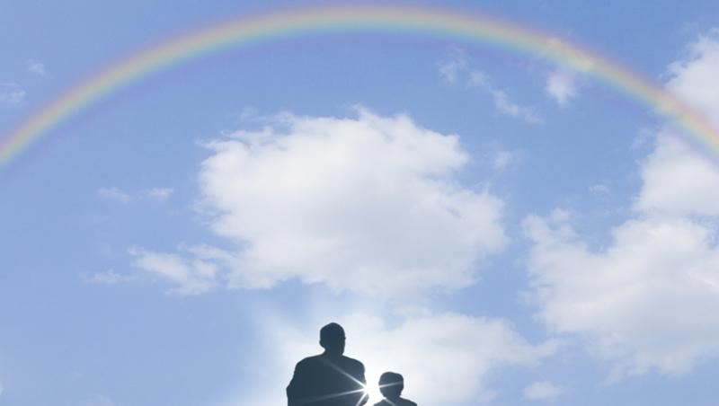 「爸爸需要靠你,才能知道同志是平常人」...一位精神科醫師的告白:親子溝通,往往忘了最重要的事