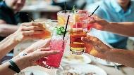 12月是聚餐的季節,天秤、水瓶約老友有助帶財!12星座工作運前三名是...