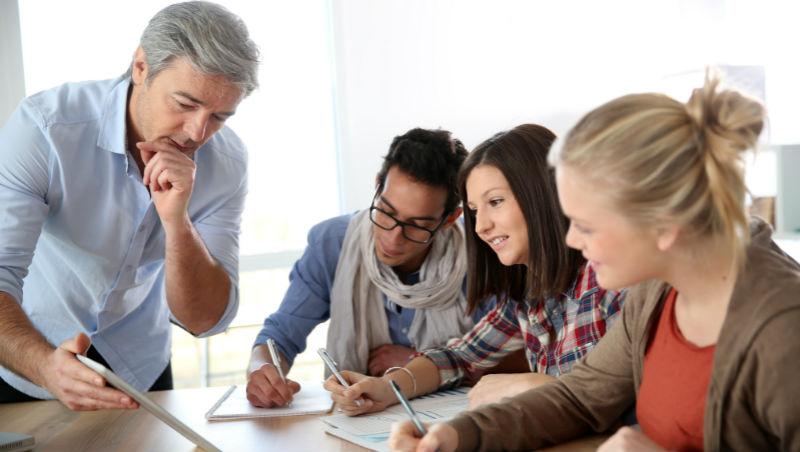 超過35年報酬率達19%的企業策略,連華爾街都看不出來!UCLA管理學院首席教授教你分析