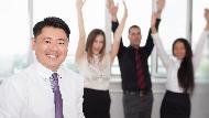 在美國管理不同種族員工,台灣人該如何面對歧視?五星級飯店CEO:只要有魅力,誰管你是哪裡人