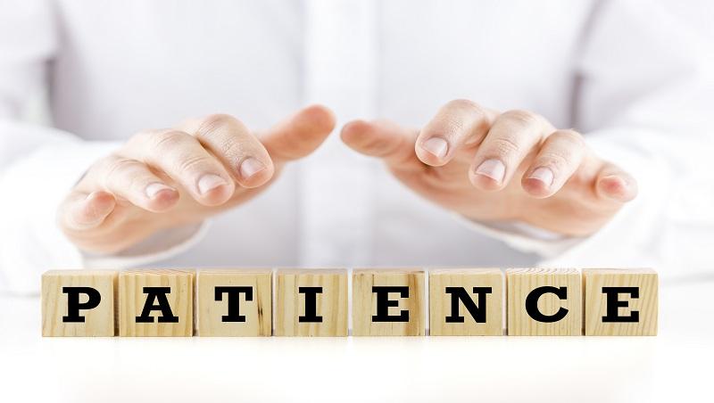 為何工作需要耐心不能說patience is needed?4種讓人「搞錯主角」的中式英文用法