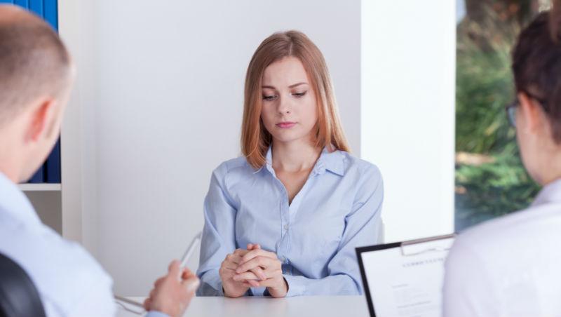 近30歲應試者,被問會不會經痛、有沒有男友...請問台灣老闆:尊重求職者有這麼難嗎?
