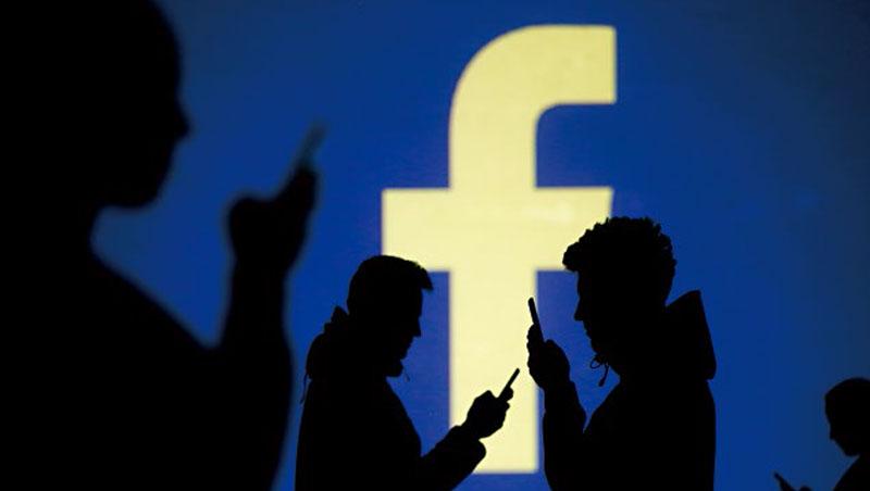 臉書為了洗刷負面形象,趕在11月初美國期中選舉前設立戰情室,借重人工智慧技術防堵假帳號、假新聞。