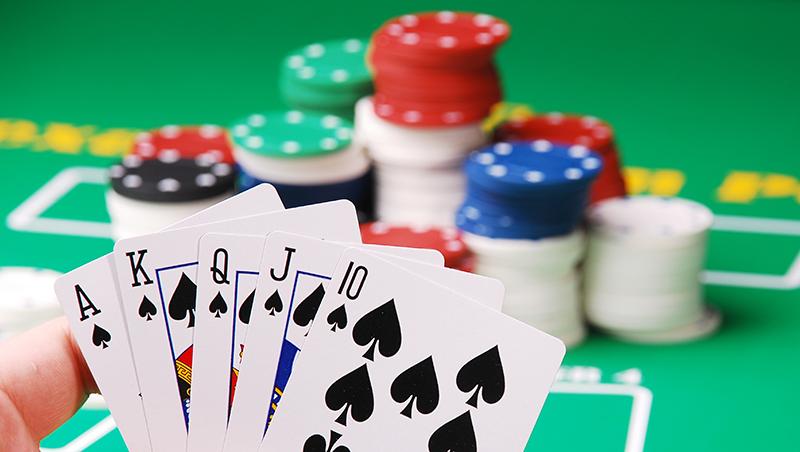 搬家、換工作...生活中每個抉擇都是下注!如何每注都拿高報酬?國際撲克冠軍分享3大心法