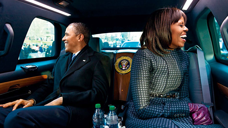 結婚26年,蜜雪兒認為夫妻關係不是配合,而是取得平衡。圖為兩人前往連任總統就職典禮。