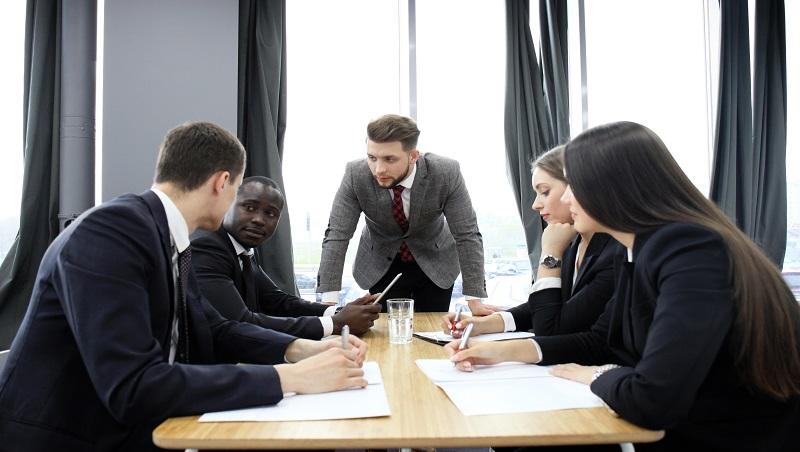 什麼都要我說,不知道請他幹嘛...管理顧問:主管們,抱怨前先問自己一件事!