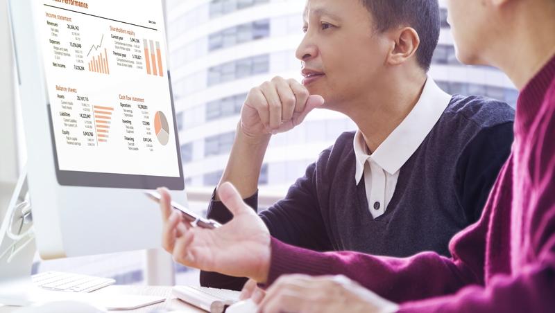 憨厚老實工程師,老是錯過升遷機會...專家:「說話太慢」也會影響職場表現!
