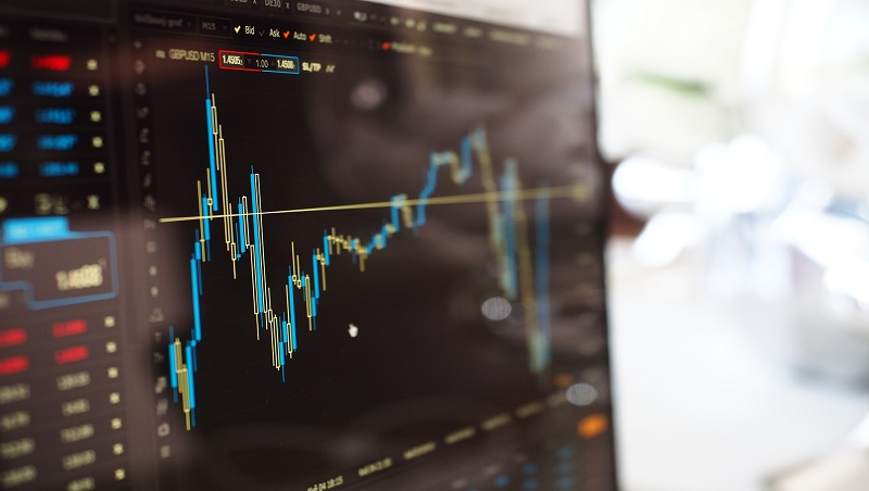 股價跌到谷底,再不賣好像會賠很慘?策略顧問:危急時刻,用「變焦式思考」做對決定