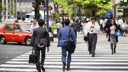 升遷無望、沒動力工作的「50歲症候群」,正席捲日本!給台灣上班族的啟示:你更應該提早退休